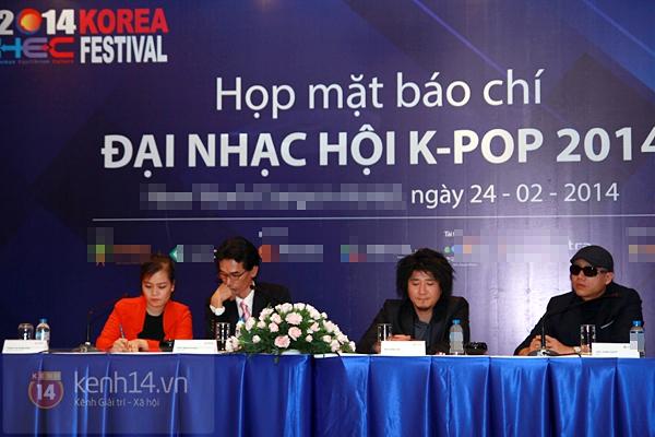 HOT Clip: SNSD rạng rỡ chào fan Việt, BTC trải thảm đó đón sao Hàn ở Tân Sơn Nhất 9