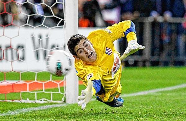 """Mạng xã hội """"dậy sóng"""" vì thủ môn trẻ của Atletico Madrid 2"""