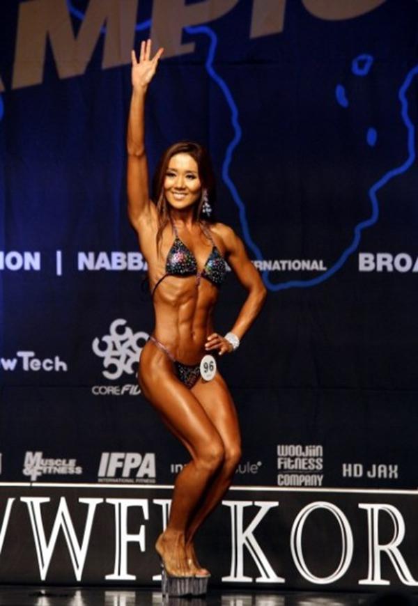 """Lạ mắt cuộc thi hoa hậu """"cơ bắp"""" tại Hàn Quốc 9"""