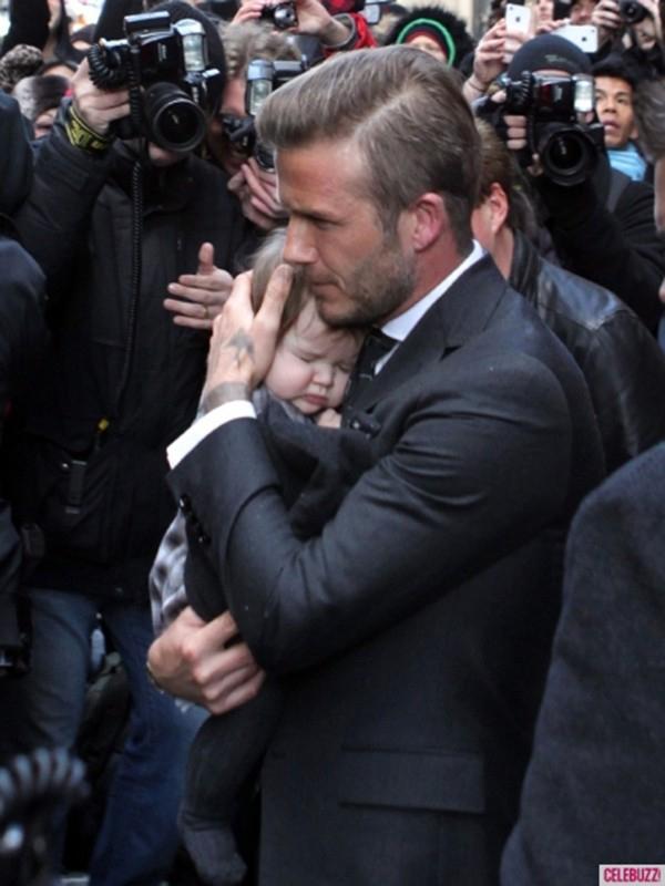 Những hình ảnh siêu dễ thương của bé Harper Seven Beckham 7