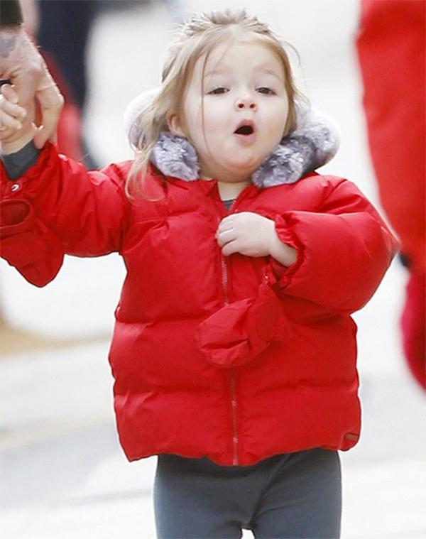 Những hình ảnh siêu dễ thương của bé Harper Seven Beckham 16