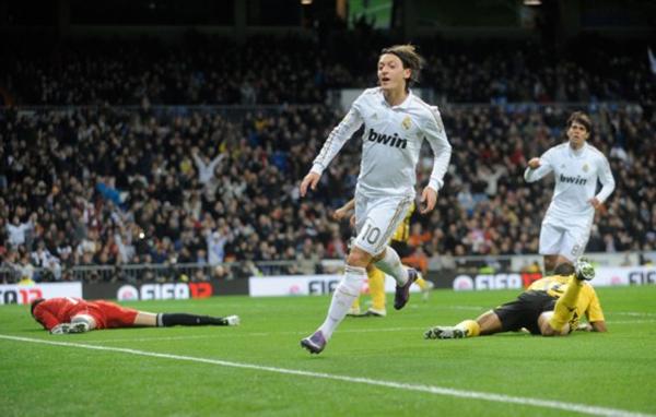 """Đội hình """"dải ngân hà"""" trị giá 16.800 tỷ đồng của Real Madrid 10"""