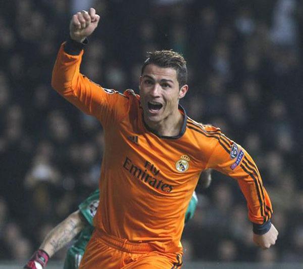 """Nhìn lại năm 2013 của """"cỗ máy ghi bàn"""" Cristiano Ronaldo 12"""