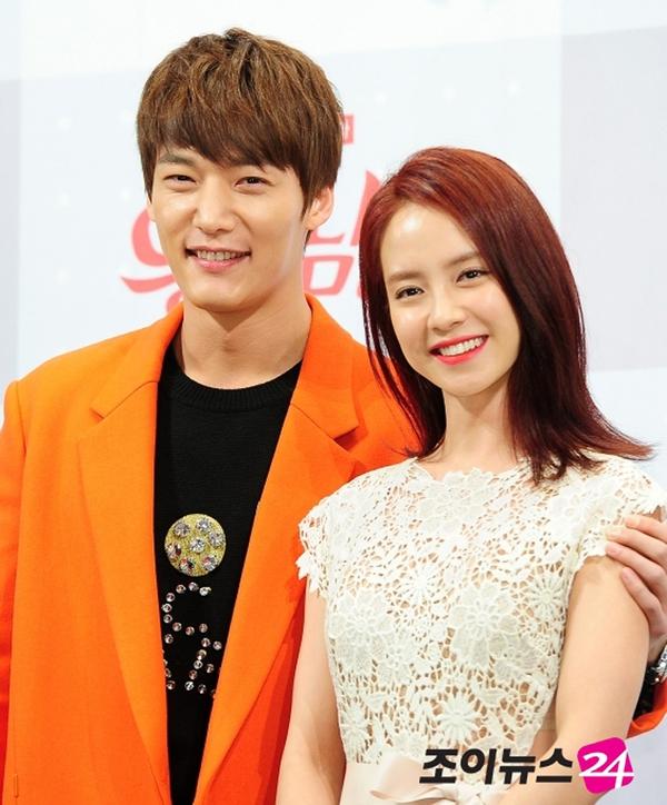 Song Ji Hyo đẹp dịu dàng bên phím đàn 5
