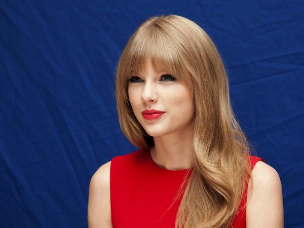 """Học phù thủy make up gốc Việt """"hóa"""" thành Taylor Swift, Miranda Kerr 3"""