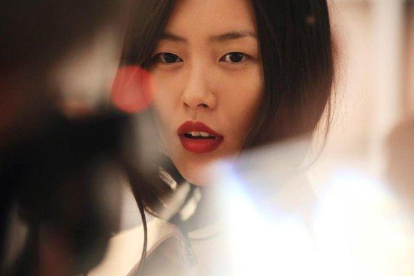 Phong cách cá tính, thời thượng của siêu mẫu số 1 châu Á - Liu Wen 2