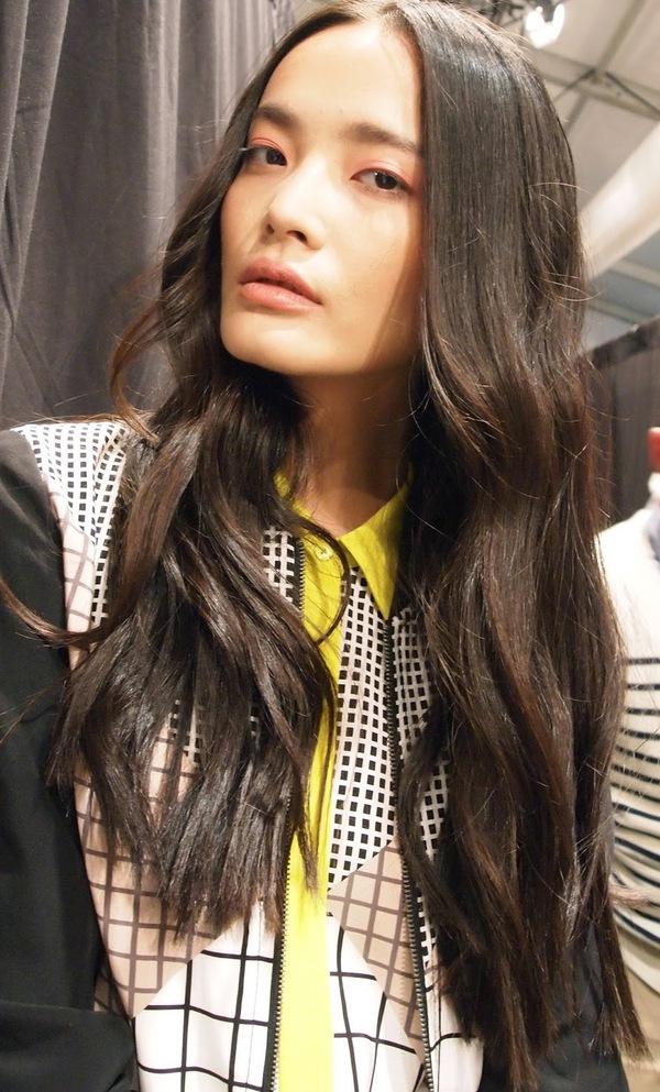 Làm đẹp Q&A: Chọn chì kẻ mắt/lông mày hợp da & khắc phục tóc ẩm dầu 5