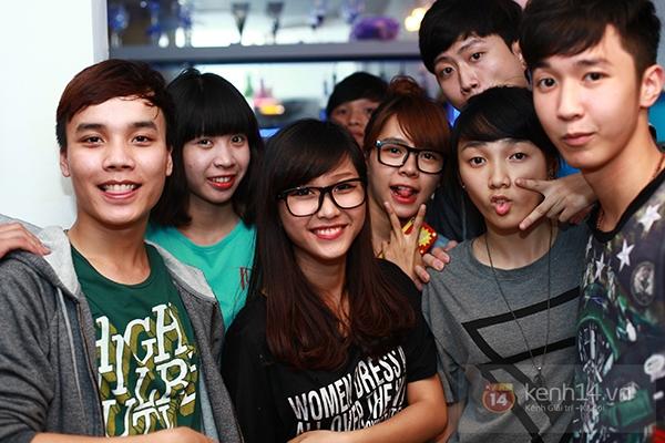 Chi Pu, Sa Lim, Quỳnh Anh Shyn thân thiết trong buổi offline của St.319 5