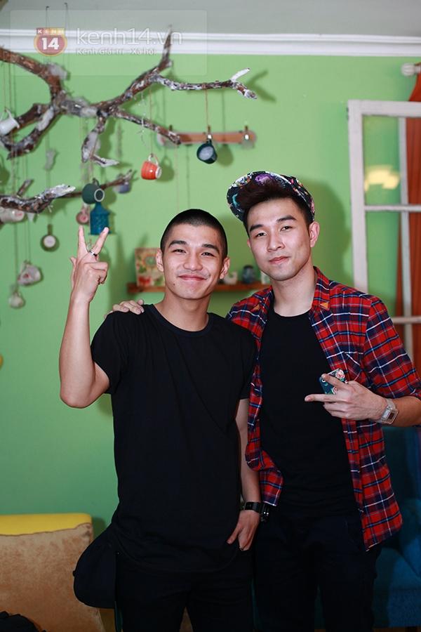 Chi Pu, Sa Lim, Quỳnh Anh Shyn thân thiết trong buổi offline của St.319 12