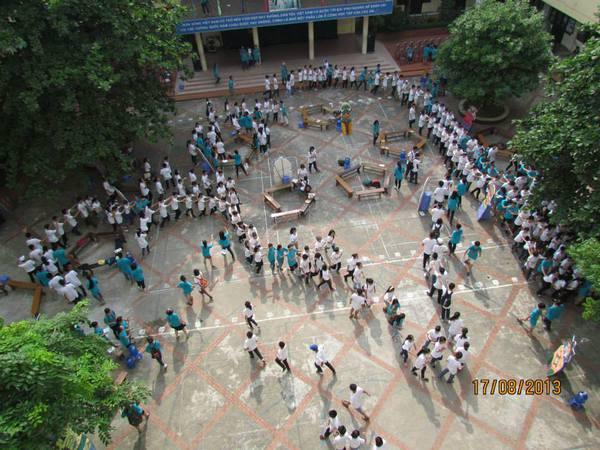 """Hà Nội: Teen Nguyễn Tất Thành """"nổi loạn"""" trong sân trường 6"""