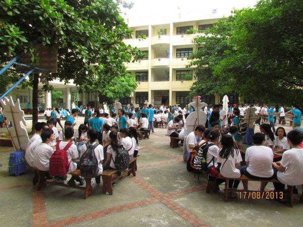 """Hà Nội: Teen Nguyễn Tất Thành """"nổi loạn"""" trong sân trường 14"""