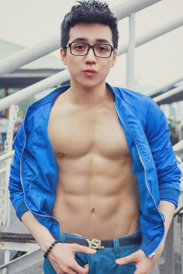 Hot boy naked foto 45