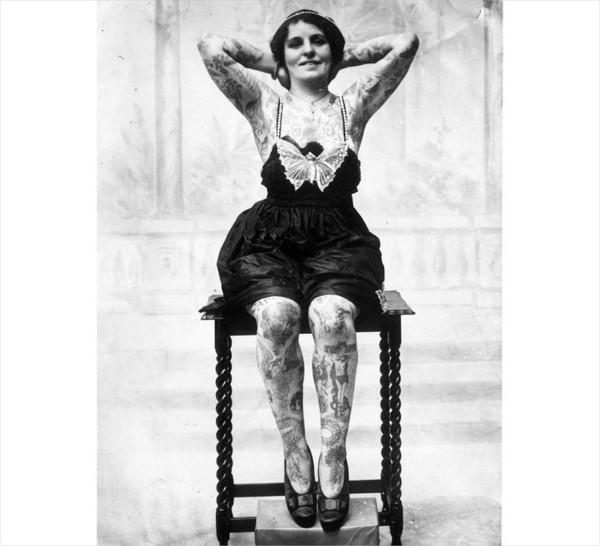 Những bức hình hiếm về hình xăm trên cơ thể phụ nữ thế kỷ 19 5