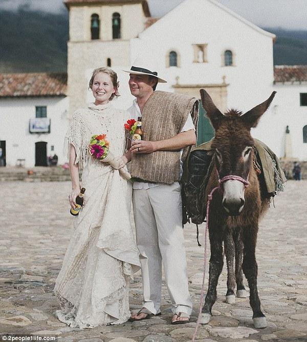 Cặp đôi tổ chức đám cưới 66 lần khắp thế giới tiếp tục kết hôn lần thứ 67 ở New Zealand 11