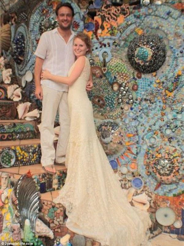 Cặp đôi tổ chức đám cưới 66 lần khắp thế giới tiếp tục kết hôn lần thứ 67 ở New Zealand 19