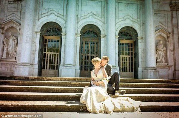 Cặp đôi tổ chức đám cưới 66 lần khắp thế giới tiếp tục kết hôn lần thứ 67 ở New Zealand 20