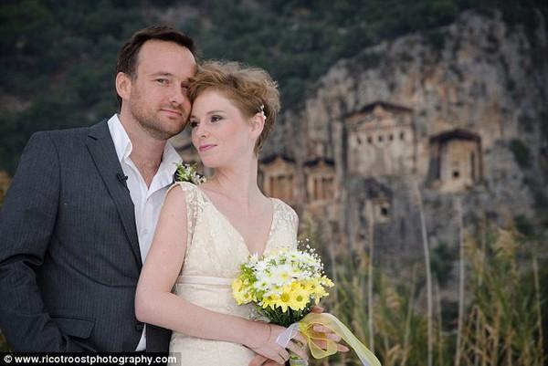 Cặp đôi tổ chức đám cưới 66 lần khắp thế giới tiếp tục kết hôn lần thứ 67 ở New Zealand 28