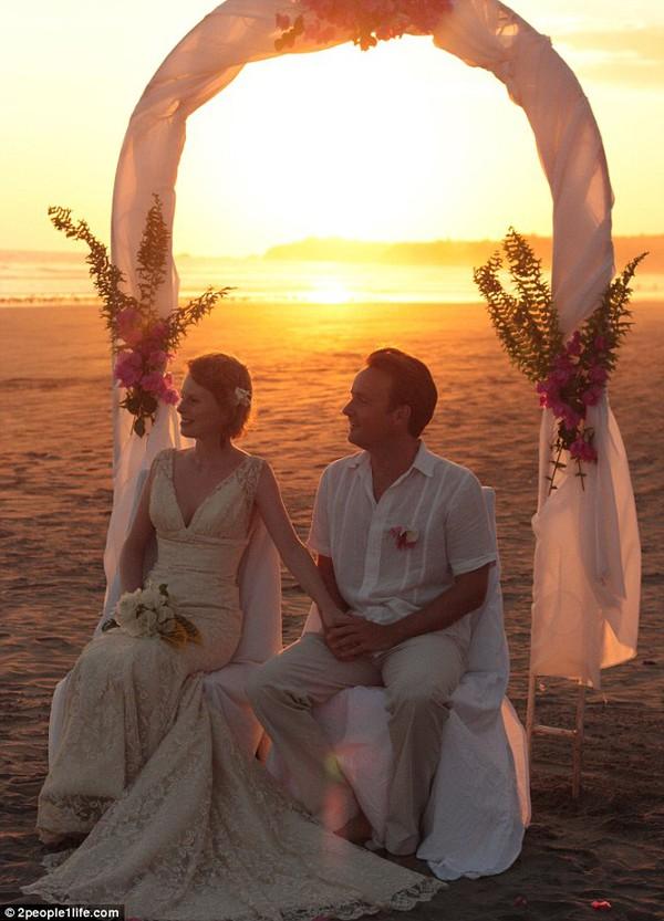 Cặp đôi tổ chức đám cưới 66 lần khắp thế giới tiếp tục kết hôn lần thứ 67 ở New Zealand 29
