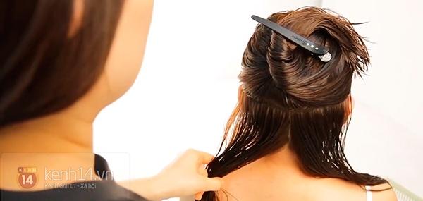 Vừa sấy khô vừa tạo kiểu tóc xoăn bồng bềnh trong 5' 3