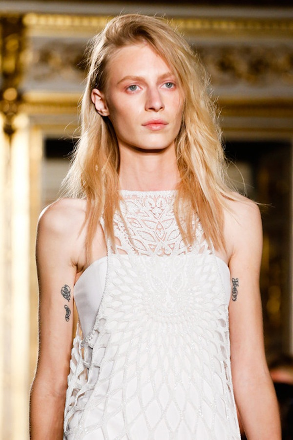 Những xu hướng trang điểm không thể bỏ qua tại Milan Fashion Week 27