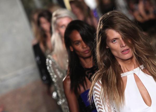 Những xu hướng trang điểm không thể bỏ qua tại Milan Fashion Week 24