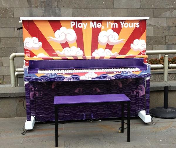 Thích thú với những cây đàn Piano đầy màu sắc trên khắp thế giới 13