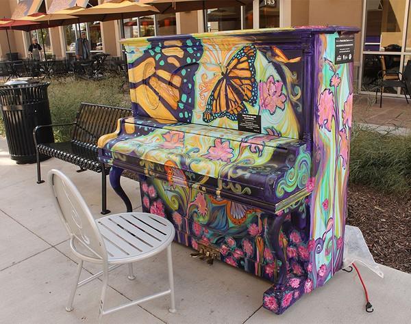 Thích thú với những cây đàn Piano đầy màu sắc trên khắp thế giới 15