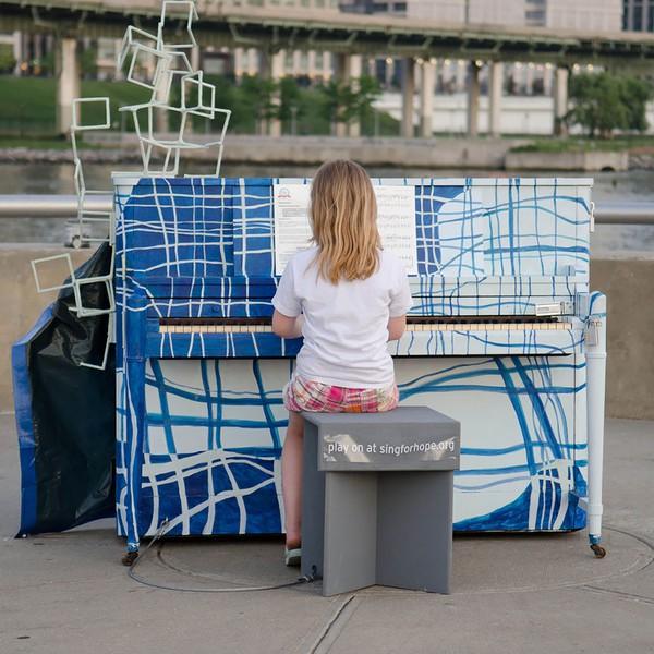 Thích thú với những cây đàn Piano đầy màu sắc trên khắp thế giới 16