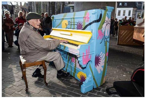 Thích thú với những cây đàn Piano đầy màu sắc trên khắp thế giới 17
