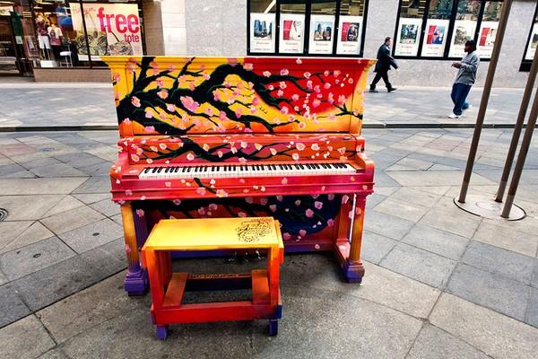 Thích thú với những cây đàn Piano đầy màu sắc trên khắp thế giới 5