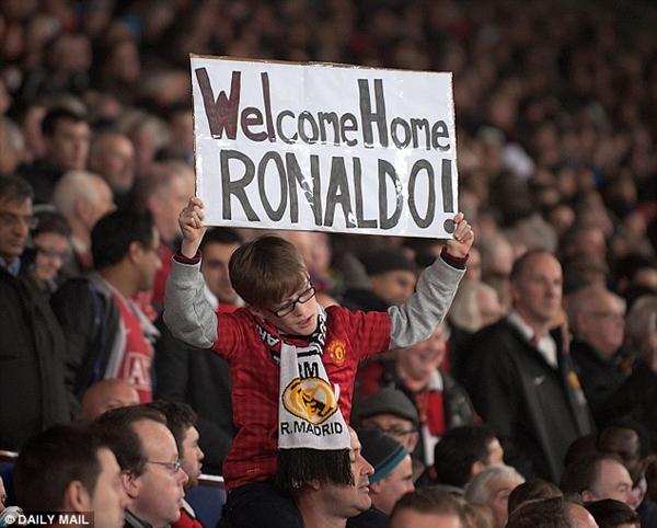 "CĐV Manchester United quyên tiền ""mua"" Cristiano Ronaldo 3"