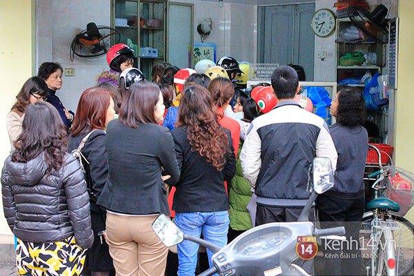 Người Hà Nội xếp hàng mua bánh trôi bánh chay trong cái rét nàng Bân 1