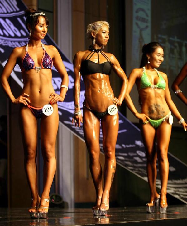 """Lạ mắt cuộc thi hoa hậu """"cơ bắp"""" tại Hàn Quốc 16"""