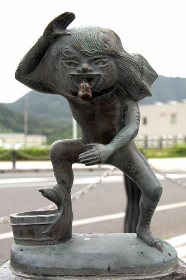 Đi tìm quái vật nhà tắm buổi đêm ở Nhật Bản 10
