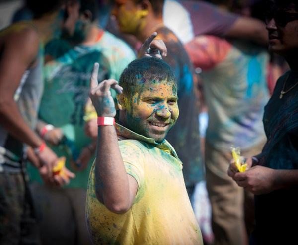 Lễ hội Holi rực rỡ sắc màu ở Ấn Độ 1