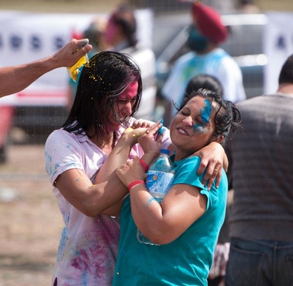 Lễ hội Holi rực rỡ sắc màu ở Ấn Độ 2