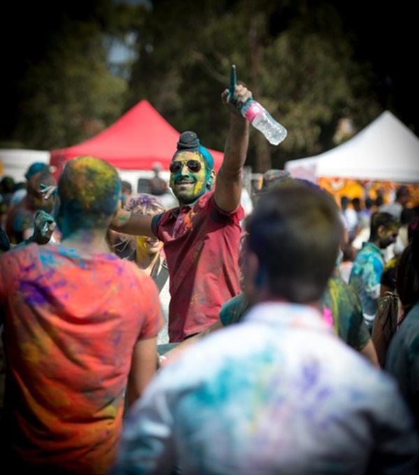 Lễ hội Holi rực rỡ sắc màu ở Ấn Độ 5