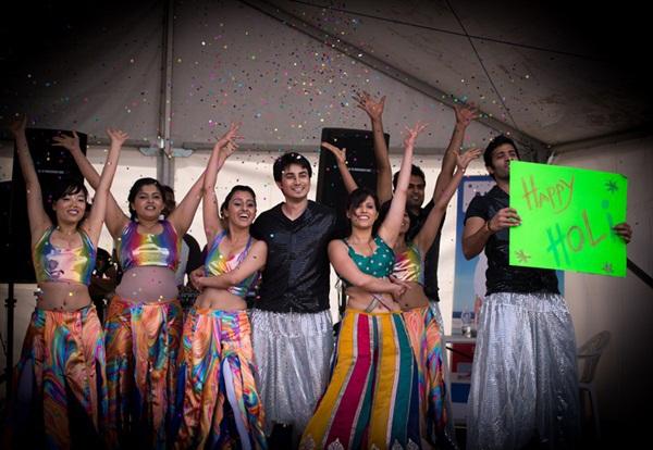 Lễ hội Holi rực rỡ sắc màu ở Ấn Độ 8