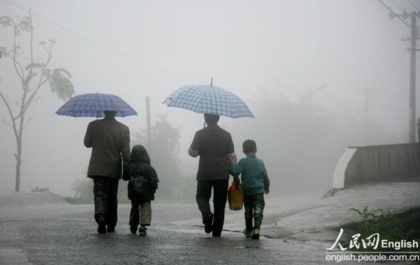 Cuộc sống của một gia đình nhiễm HIV 8