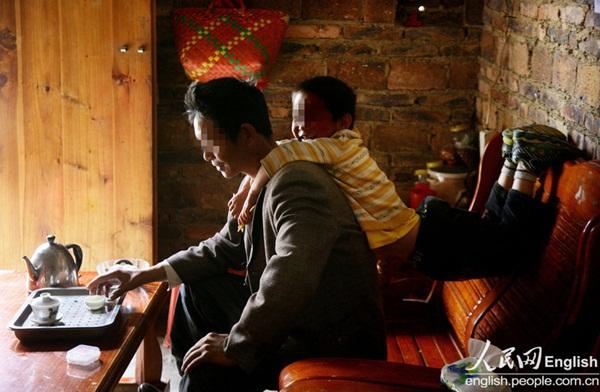 Cuộc sống của một gia đình nhiễm HIV 1