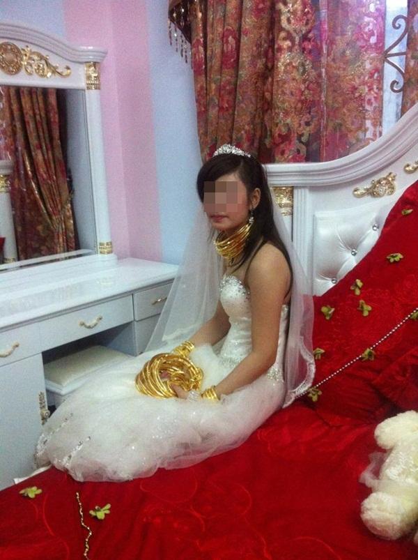 Cô dâu chú rể đeo đầy vàng trong đám cưới khủng ở Lạng Sơn 5