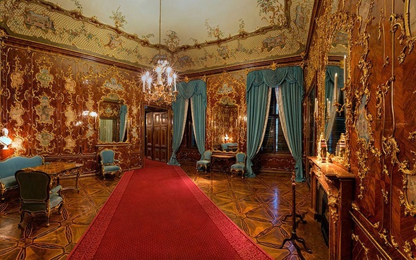 Dinh thự xa hoa của các Hoàng gia trên Thế giới 16