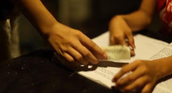 Cay mắt với đoạn phim ngắn về Trung thu của cô bé nghèo 3