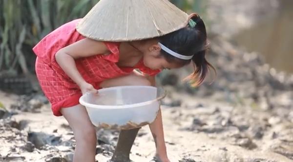 Cay mắt với đoạn phim ngắn về Trung thu của cô bé nghèo 5