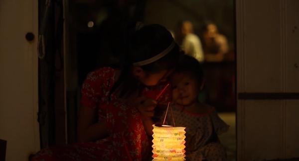 Cay mắt với đoạn phim ngắn về Trung thu của cô bé nghèo 7