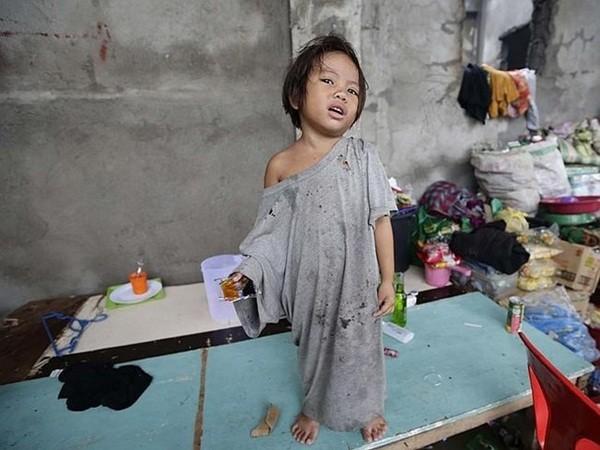 Nhìn lại những hình ảnh không thể nào quên trong siêu bão Haiyan 18