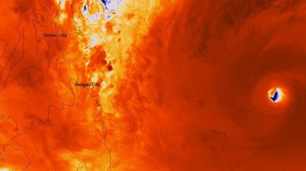 Nhìn lại những hình ảnh không thể nào quên trong siêu bão Haiyan 2