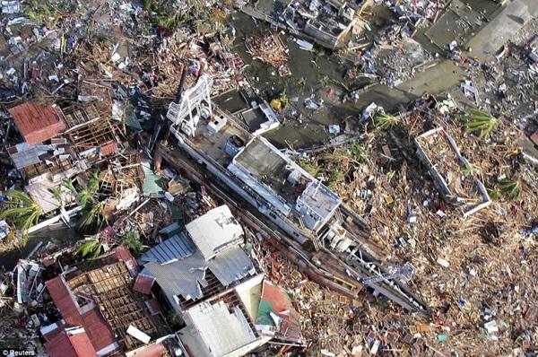 Nhìn lại những hình ảnh không thể nào quên trong siêu bão Haiyan 7