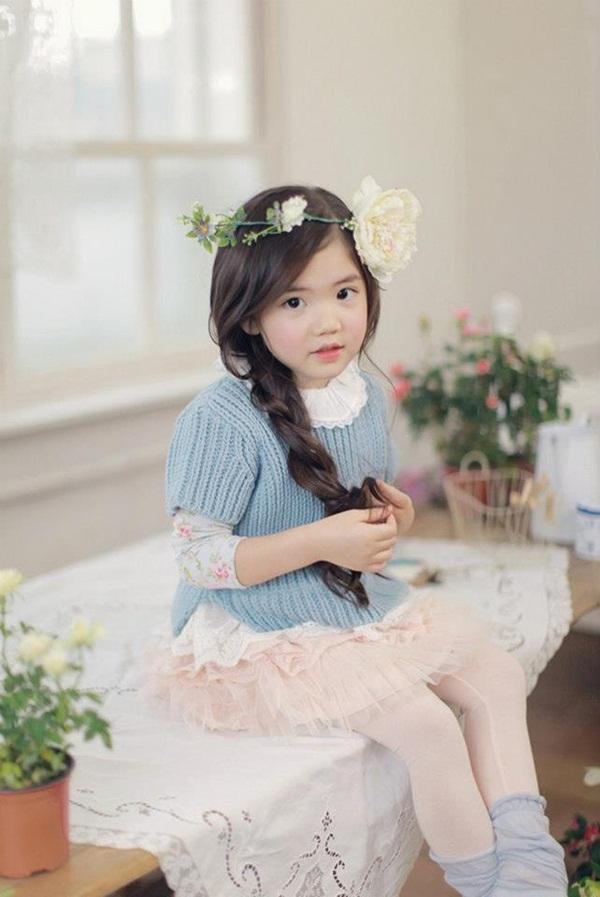"""Cô bé có vẻ đẹp thiên thần gây """"sốt"""" mạng xã hội Hàn Quốc 2"""