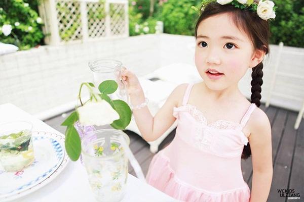 """Cô bé có vẻ đẹp thiên thần gây """"sốt"""" mạng xã hội Hàn Quốc 9"""